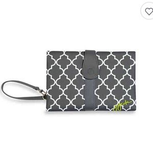 JJ Cole Changing Pad Clutch in Stone Arbor